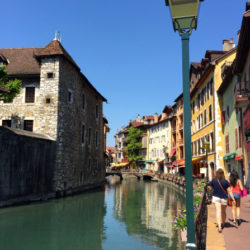 annecy-france-sidewalks