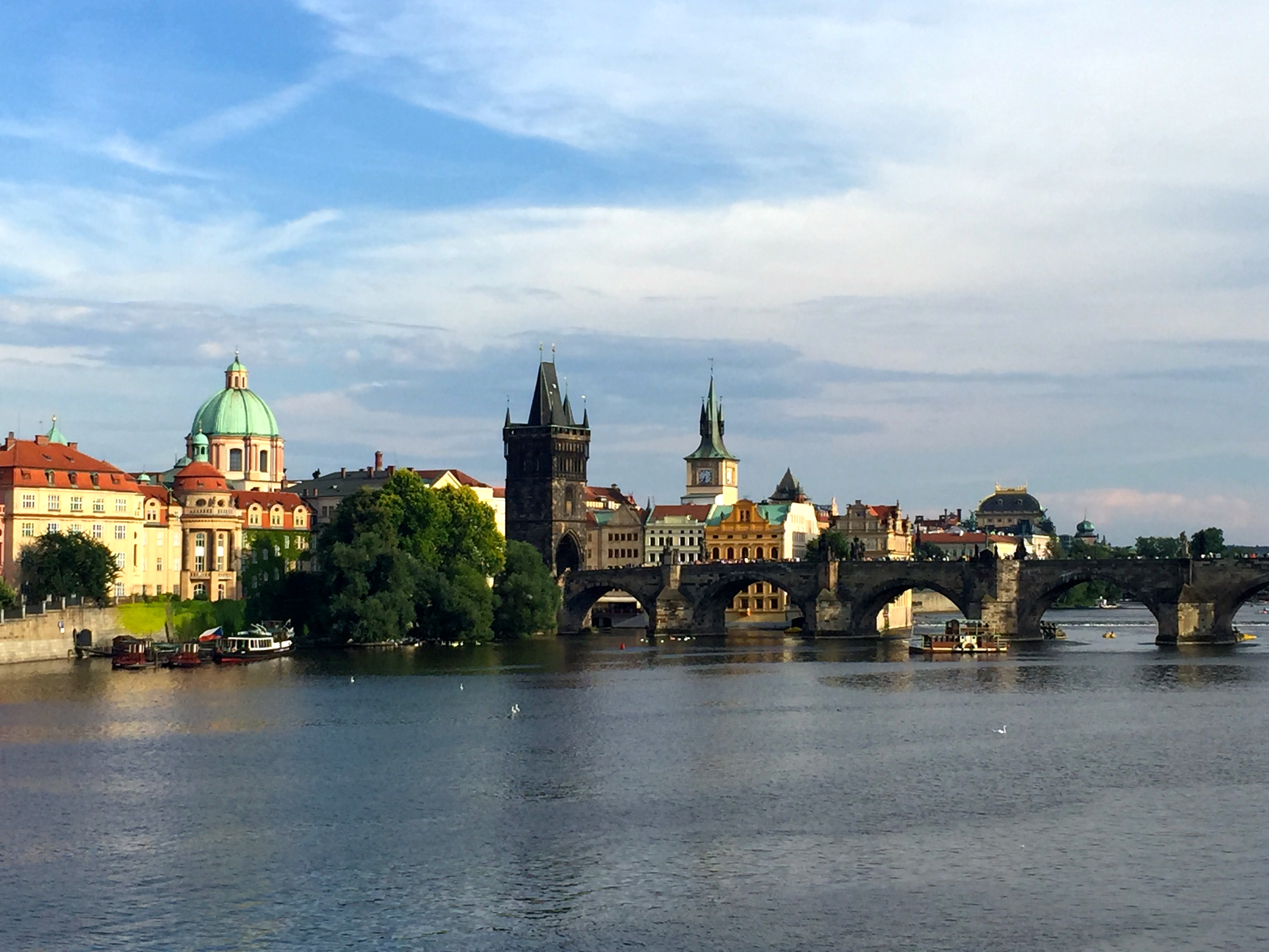 charles-bridge-prague-attractions