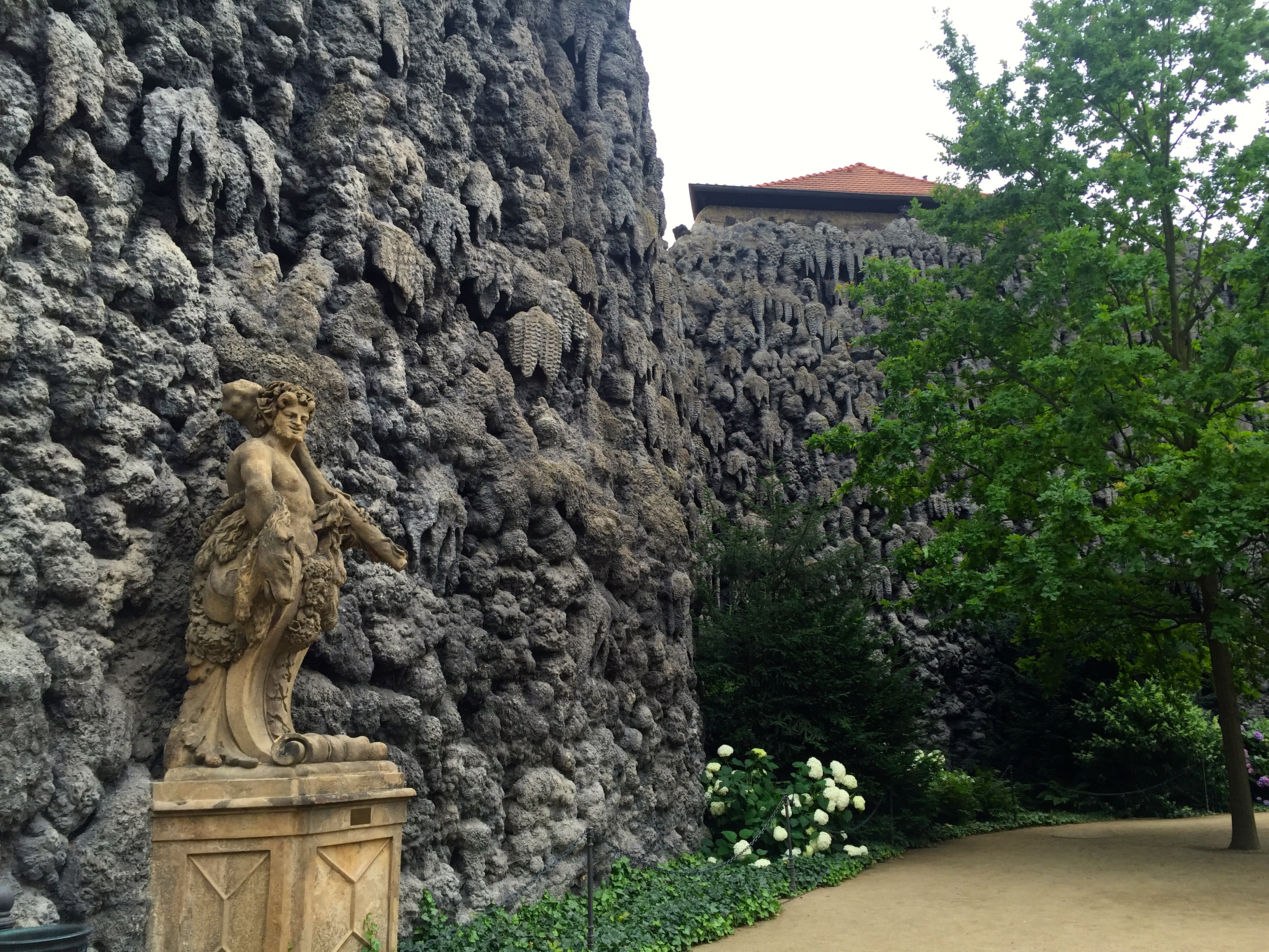 dripstone-wall-grotto-prague-attractions