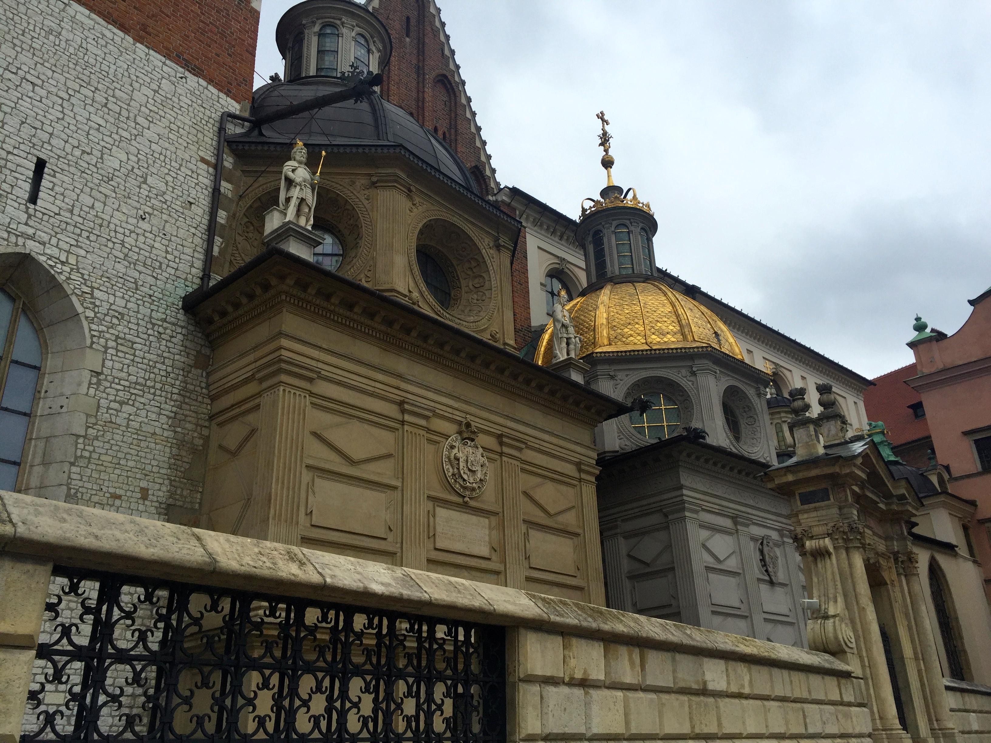 krakow-attractions-wawel-hill