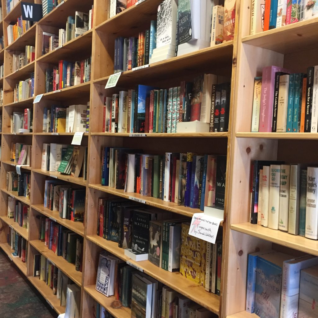 top-portland-attractions-powells-city-of-books