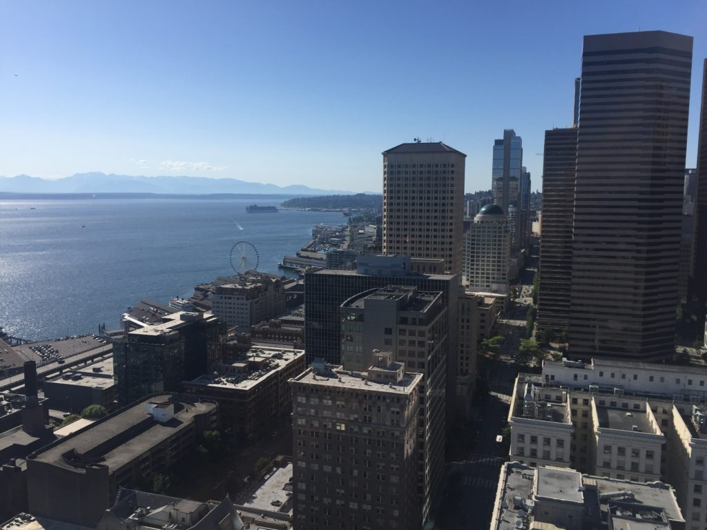 top-seattle-attractions-smith-tower-view