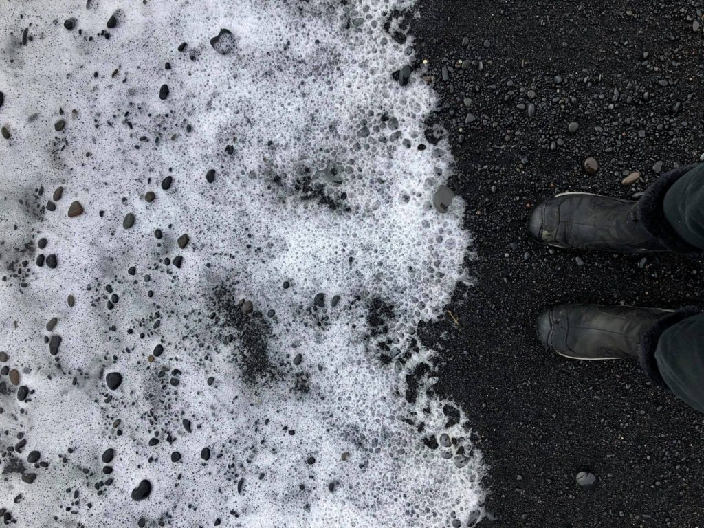 black-sand-beach-iceland-travel-diary
